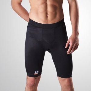 Легкие поддерживающие спортивные шорты