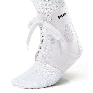 Бандаж для лодыжки на шнуровке MUELLER